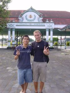 Visiting Kraton - just before mini-foot